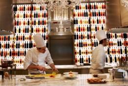 La-Cuisine-01-48-Le-Royal-Monceau---Raffles-Paris-45