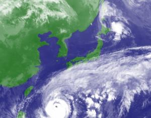 沖縄旅行で台風がきた!どうすればいいの?【出発前・滞在中・最終日】