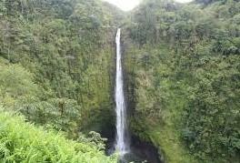 プラウド・オブ・アメリカで行くヒロエリアのアカカ滝