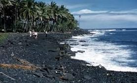 プラウド・オブ・アメリカで行くカイルアコナの溶岩ビーチ