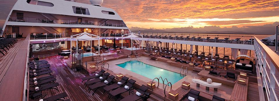 シーボーンクルーズ|Pool Deck at Sunrise