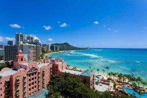 ハワイ新婚旅行・ハワイハネムーン、ハワイ海外挙式、ハネムーンフォトをハワイを満喫するために、オアフ島、ハワイ島、マウイ島、カウアイ島、モロキニ島、ラナイ島をはじめハワイの気候、観光スポットやホテルに旅費などの過ごし方などをご案内します。 グラマラスヴォヤージュはグラージュが展開するハネムーン、新婚旅行のハネムーントラベルサイト。気になるワードを入力して必要な情報をさがしてね。お二人のハネムーン、新婚旅行の夢を実現するための情報が満載です。