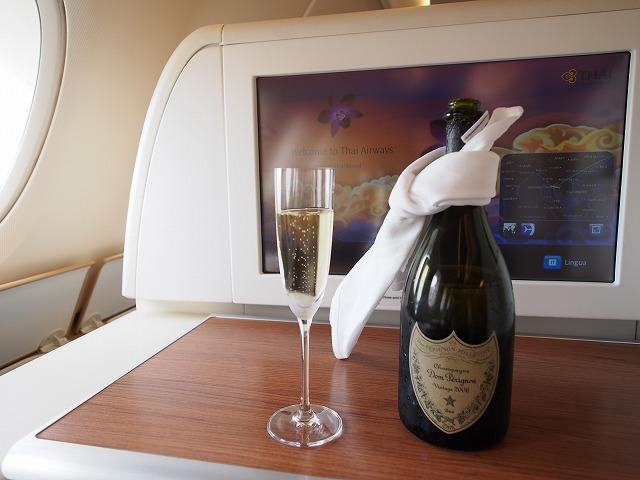 タイ航空,バンコク,ファーストクラス,ビジネスクラス,食事,ワイン,シャンパン
