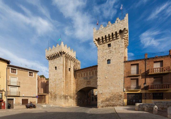 Puerta_Baja,_Daroca,_Zaragoza,_España,ダローカ