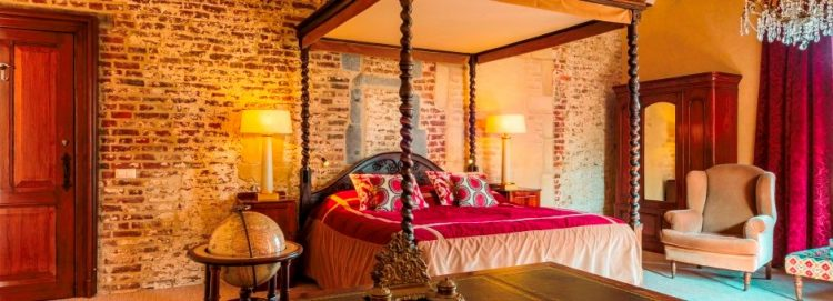 オランダのへ―ルレンにあるテルワーム城「カスティール・テルヴォルム Kasteel TerWorm Baron suite バロンスイート 宿泊の事なら名古屋のグラージュへ