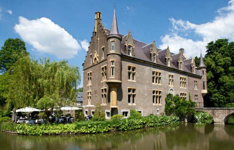 オランダのへ―ルレンにあるテルワーム城「カスティール・テルヴォルム Kasteel TerWorm 宿泊の事なら名古屋のグラージュへ