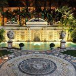 ザ ヴィラ カーサ カジュアリーナの夜のロマンチックなプールでリゾート気分満喫