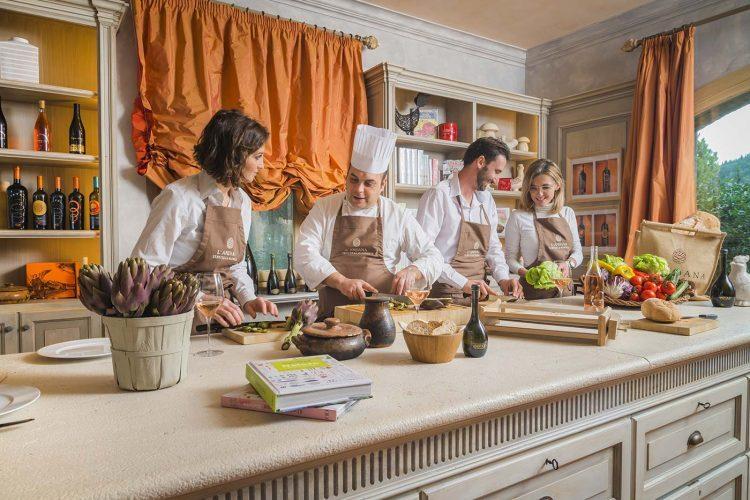 グラマラスヴォヤージュお勧め、トスカーナを吹き抜ける風が丘を駆け巡る美食の特等席 ランダーナ テヌータ・ラ・バディオラ|L'Andana Tenuta La Badiolaのあるトスカーナ地方はイタリアの台所と呼ばれるトスカーナ旅行、イタリア旅行の行き方,予算,費用は無料見積もりに自信の名古屋のオーダーメイド専門旅行会社グラージュへ トスカーナ料理教室