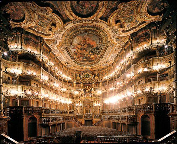 グラマラスヴォヤージュお勧め世界遺産バイロイトの辺境伯歌劇場への旅行は名古屋のグラージュへ
