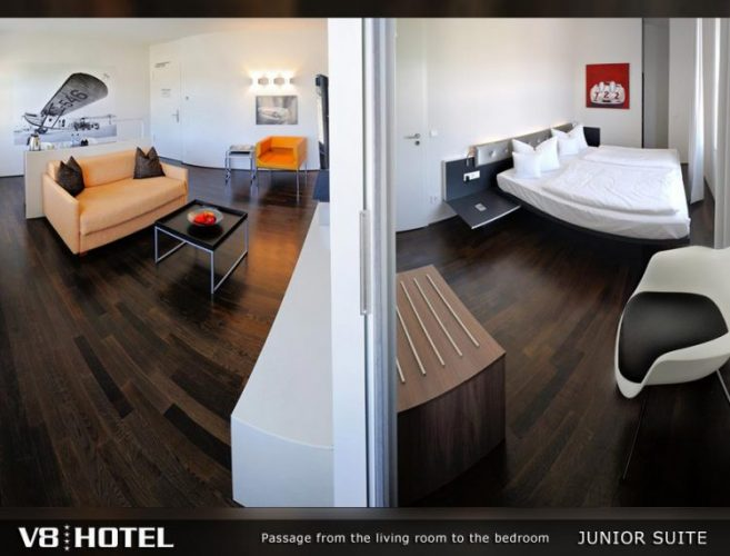 V8 HOTEL,シュトゥットガルト,ポルシェ博物館,ベンツ博物館 ジュニアスイート