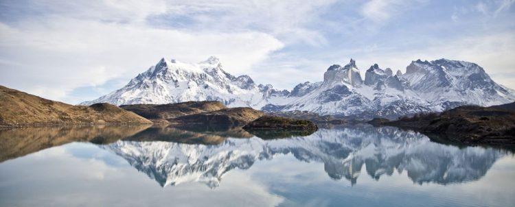 ハイキング&トレッキングがコーディーネーター付きで無料で楽しめる旅。グラマラスヴォヤージュお勧め、地球の裏側の南米大陸の最南端にパタゴニアの広大な大地がある。フィッツ・ロイがシンボルマークのアウトドアメーカーあの「パタゴニア」運営する地球の最果てホテル「エクスプローラ・パタゴニア」Explora Patagoniaに泊まる旅、パタゴニア旅行の行き方,予算,費用は無料見積もりに自信の名古屋のオーダーメイド専門旅行会社グラージュへ