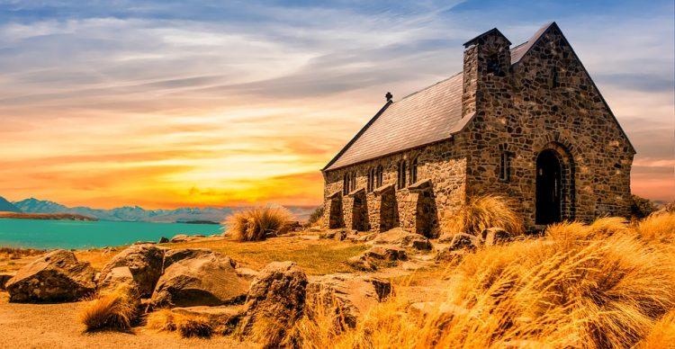 テカポ挙式、.ニュージーランド/テカポ 善き羊飼いの教会挙式|The Church of the Good Shepherd への旅、テカポウエディング旅行、善き羊飼いの教会挙式旅行の行き方,予算,費用は無料見積もりに自信の名古屋のオーダーメイド専門旅行会社グラージュへ