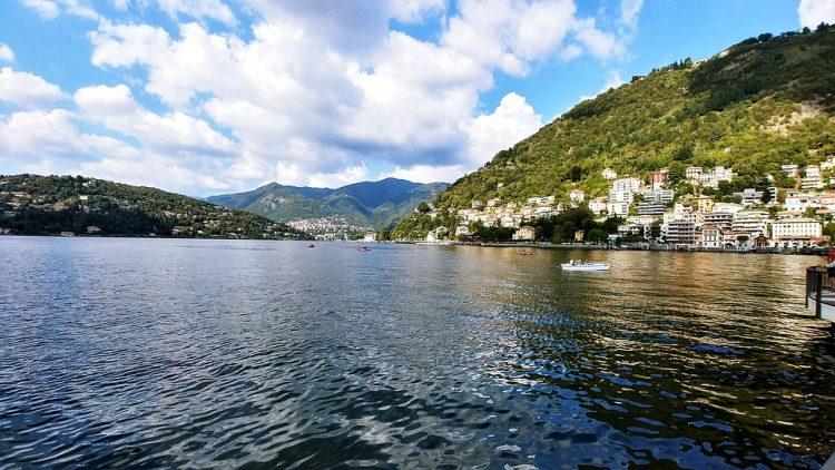 グラマラスヴォヤージュお勧め、ヴィッラ・カルロッ挙式 コモ湖湖畔のヴィッラで夢のリゾートウエディングの旅、コモ湖旅行,イタリア旅行の行き方,予算,費用は無料見積もりに自信の名古屋のオーダーメイド専門旅行会社グラージュへ