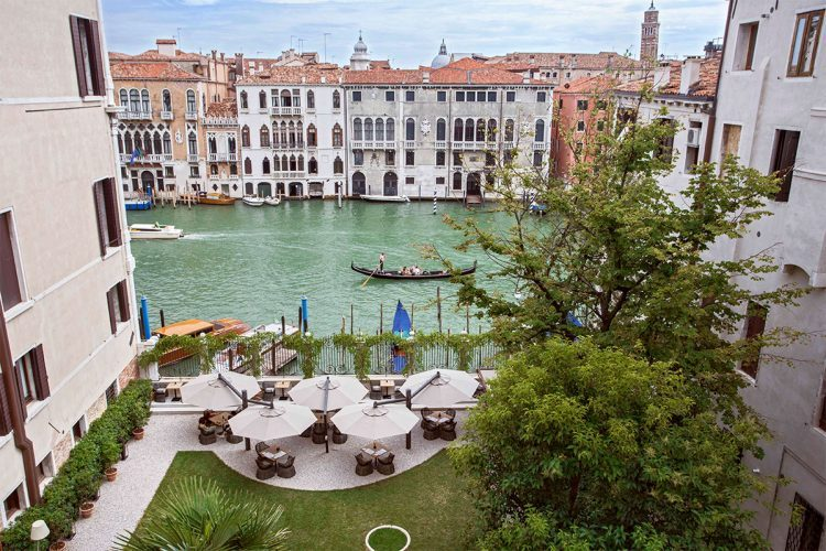 グラージュお勧め、ベニスの絶景ホテル アマン・カナルグランデ・ベニス|Aman Canal Grande Veniceに泊まる旅、アマンに泊まる旅、ベニス旅行、ヴェネチア旅行の行き方,予算,費用は無料見積もりに自信の名古屋のオーダーメイド専門旅行会社グラマラスヴォヤージュへ