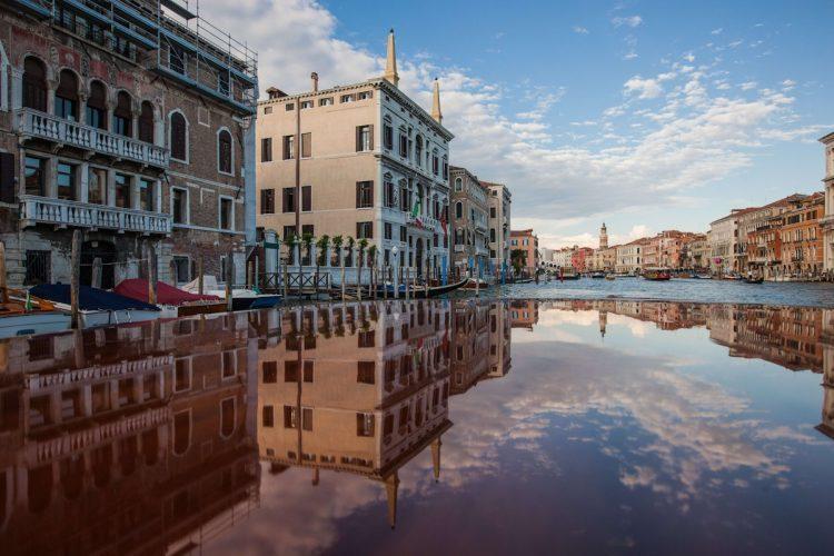 グラマラスヴォヤージュお勧め、ベニスの絶景ホテル アマン・カナルグランデ・ベニス|Aman Canal Grande Veniceに泊まる旅、アマンに泊まる旅、ベニス旅行、ヴェネチア旅行の行き方,予算,費用は無料見積もりに自信の名古屋のオーダーメイド専門旅行会社グラージュへ