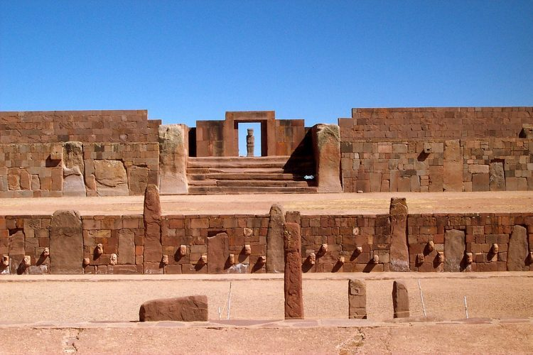 世界遺産ティワナク遺跡,神殿