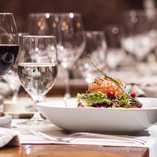 Code:BDINING コスタクルーズ自慢の昼食・夕食時ワイン飲み放題プラン