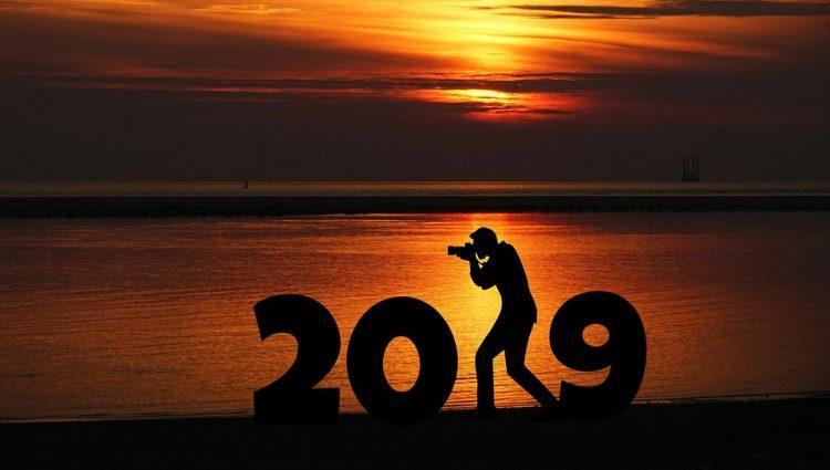 2019年祝祭日カレンダー