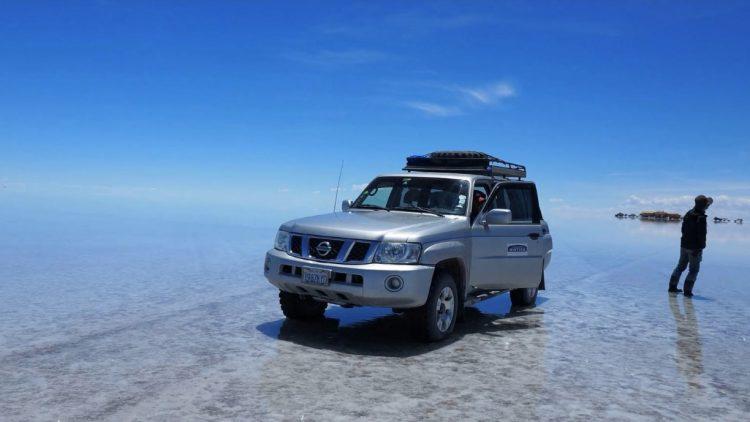 ウユニ塩湖を独り旅、日本語ガイドで安心ひとり旅