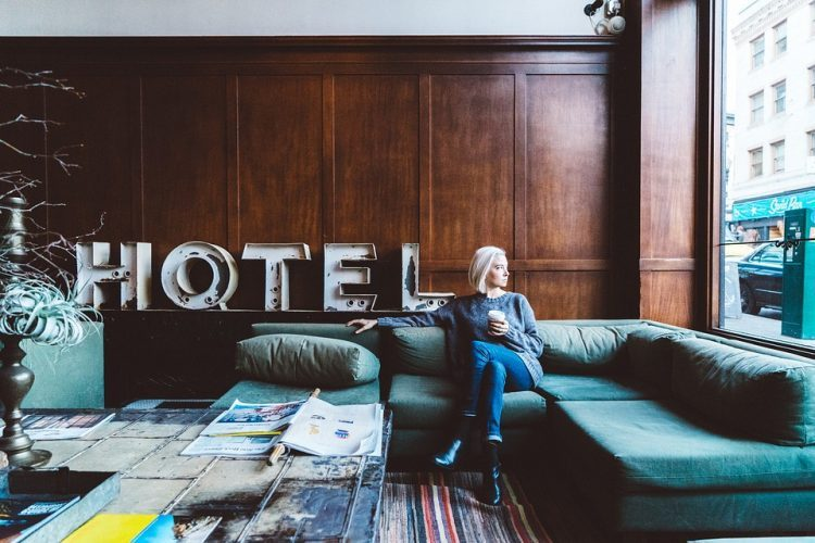 ホテルの部屋が広く感じるおひとり様は自由気ままにひとり旅