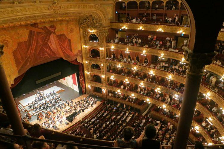 フランス旅行趣味の世界に没頭オペラ、美術館三昧の一人旅