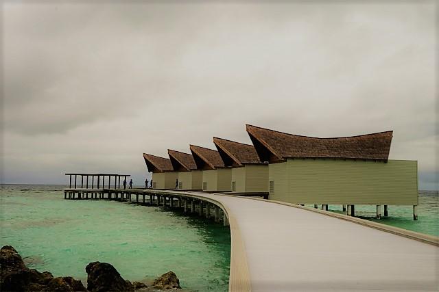 モーベンピック リゾート クレディヴァル モルディブ|Mӧvenpick Resort Kuredhivaru Maldivesの高級水上スパ