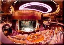豪華客船でラスベガス・ブロードウエィスタイルの豪華レビューショーを満喫